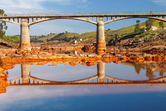 Historische Brug Gadea op de tintorivier, Huelva, Spanje royalty-vrije stock fotografie