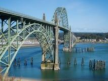 Historische brug in Nieuwpoort, Oregon Stock Foto's