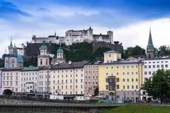 Historische centrum en straten van Salzburg oostenrijk Stock Foto