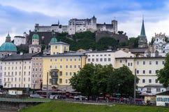 Historische centrum en straten van Salzburg oostenrijk Royalty-vrije Stock Foto's