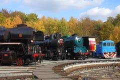 Historische Dampf-Maschinen im Depot im tschechischen Eisenbahn-Museum Luzna u Rakovnika, Tschechische Republik, Europa stockbilder