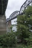 Historische Eisenbahnbrücke lizenzfreie stockbilder