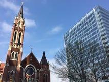 historische en moderne gebouwen Stock Afbeeldingen