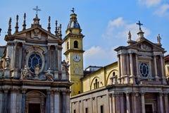 Historische erfenis in Turijn twee kerken in een vierkant Royalty-vrije Stock Afbeeldingen