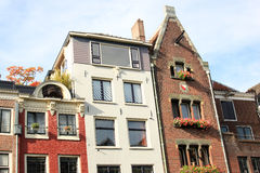 Historische Fassaden entlang Oudegracht, Utrecht, Holland Stockfotos