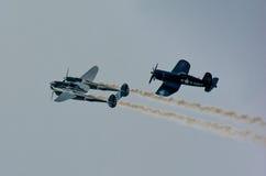 Historische Flugzeuge im mitten in der Luft Lizenzfreie Stockfotografie