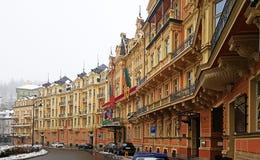 Historische Gebäude Karlovy Varys lizenzfreies stockfoto