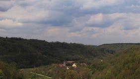 Historische Gebäude und Häuser gesehen von Rothenburg-ob der Tauber, Deutschland lizenzfreie stockfotos