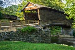 Historische Gebochelde Behandelde Brug, Virginia, de V.S. stock foto