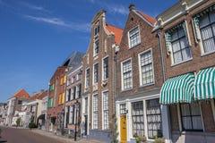 Historische gebouwen bij een kanaal in Zwolle Stock Foto