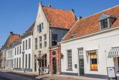 Historische gebouwen in hoofdstraat Elburg Stock Afbeeldingen
