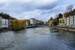 Historische gebouwen op de kusten van Meer Luzerne in Zwitserland royalty-vrije stock afbeeldingen
