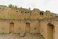 Historische geruïneerde vesting in Luxemburg Stock Fotografie
