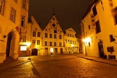Historische Häuser in der alten Stadt von Tallinn Lizenzfreies Stockfoto