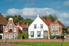 Historische Häuser in Greetsiel, Deutschland Lizenzfreies Stockbild