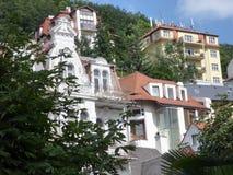 Historische Häuser und Wohnungen, Karlovy Vary, Tschechische Republik lizenzfreies stockfoto