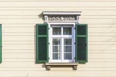 Historische Hausmauer mit Fenster Lizenzfreie Stockfotografie