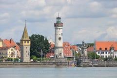 Historische haven van Lindau in het Meer van Konstanz stock fotografie