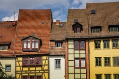 Historische helft-betimmerde huizen in de oude stad van Erfurt stock foto