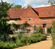 Historische Huis en Molen stock afbeeldingen