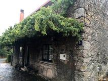 Historische huizen op de route van camino DE Santiago Stock Foto's