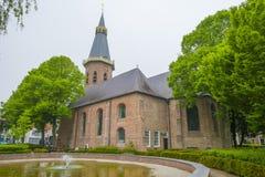 Historische kerk in DE village van Groede in Zeelandic Vlaanderen stock afbeeldingen
