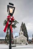 Historische kerk met sneeuw Stock Afbeeldingen