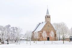Historische Kirche im Winter Stockbild