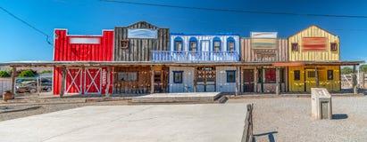 Historische kleurrijke gebouwen langs Route 66, de V.S. stock afbeeldingen