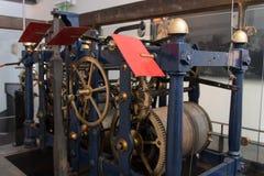 Historische klok met toestelwielen, Ierland, 2015 Stock Fotografie
