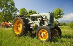 Historische landwirtschaftliche Maschine lizenzfreies stockfoto