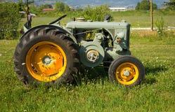 Historische landwirtschaftliche Maschine lizenzfreie stockfotos