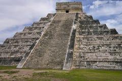 Piramide in Chichen Itza Stock Foto's
