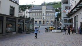 Historische Mitte der St- Moritzschweizerstadt stock footage