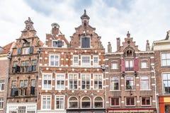 Historische Nederlandse huizen royalty-vrije stock afbeeldingen