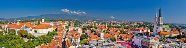 Historische panoramische stad van Zagreb royalty-vrije stock afbeeldingen