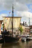 Historische Piraatboot in Groningen En gemaakt tot deze kleine stad voel grote groter Stock Afbeeldingen