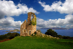 historische plaats met een ruïne van oud kasteel in het UK Stock Foto's
