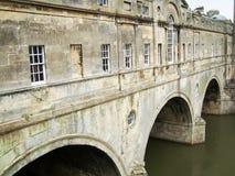 Historische Pulteney-Brücke - nahes hohes Lizenzfreie Stockfotos