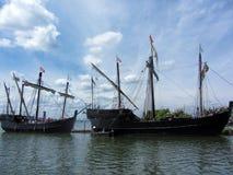Historische Reproductie Columbus Sailing Ships 2 stock foto's