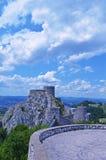 Historische ruinierte Festung in Bosnien und Herzegowina Lizenzfreie Stockfotografie