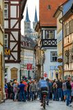 Historische schmale Gasse Bambergs Deutschland lizenzfreie stockfotografie