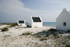 Historische slavenhuizen op Bonaire royalty-vrije stock foto's
