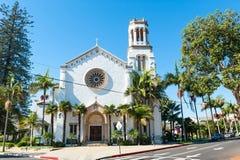 Historische Spaanse kerk in Santa Barbara, Californië stock afbeeldingen