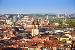 Historische stad van Wurzburg met brug Alte Mainbrucke, Duitsland royalty-vrije stock foto