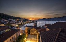 Historische Stadt des Sonnenuntergangs von Korcula, Kroatien Lizenzfreie Stockbilder