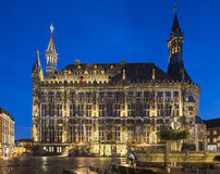 Historische Stadt Hall At Night, Aachen Stockfotos