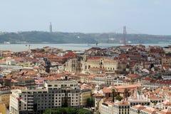 Historische Stadt Lissabons und 25. von April Bridge Panorama, Portugal Lizenzfreie Stockfotos