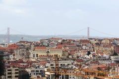 Historische Stadt Lissabons und 25. von April Bridge Panorama, Portugal Lizenzfreies Stockfoto