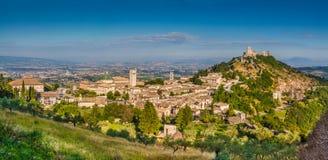 Historische Stadt von Assisi im Morgenlicht, Umbrien, Italien Lizenzfreies Stockfoto